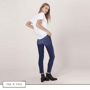 rag & bone Mid Rise Capri Ankle Jeans in Rae